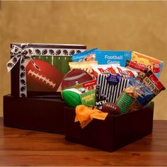 More - Football Fan Gift Pack. Football Fan Gift PackIncludes:Chips-A-Hoy chocolate chip cookies Crunch & munch caramel corn with peanuts 2 packages Snyder's Pretzel twists 2 packages TGI Fridays potato skins chips honey sweet Send Gift Basket, Gift Baskets For Him, Themed Gift Baskets, Birthday Gift Baskets, Raffle Baskets, Diy Gift Baskets, Fundraiser Baskets, Theme Baskets, Fundraiser Event