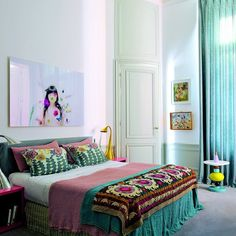 A bedroom with an oriental atmosphere in predominantely pink and green tones. Full House Tour