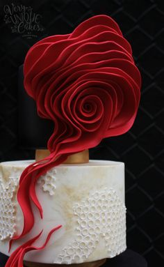 It was a wonderful experience and honor to part of the Avant-Garde Cake Collaboration with so many talented artists! Inspiration for this cake came from the gorgeous Lava gown created by the French fashion designer Stephane Rolland. Big And Beautiful, Beautiful Cakes, Amazing Cakes, Pink Rose Cake, Patisserie Design, Lava Flow, French Fashion Designers, Creative Cakes, Birthday Cakes