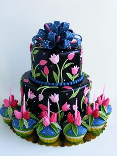 Tulips cake and cupcakes | by bubolinkata
