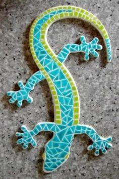 fiche_creative_salamandre_turquoise_pp. Mosaic Artwork, Mosaic Wall Art, Mosaic Diy, Mosaic Crafts, Mosaic Projects, Mosaic Rocks, Stone Mosaic, Ceramic Mosaic Tile, Mosaic Glass