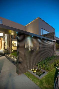 Casa com arquitetura moderna na Cidade do México. #arquitetura #architecture #house