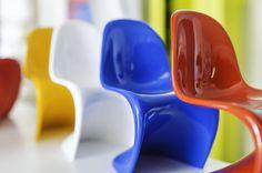 Mini Panton de Vitra  .  #arq #showroom #pepecabrera #vitra #pepecabrerastudio #denia #design #interiordesign #architecture #inspiration #arquitectura #decor #designer #homedecor #style #home #decoracion #vsco #interiorismo #vscocam #archilovers #styling #furniture #igersvalencia