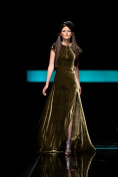 Vesselina Pentcheva   Vesselina Studios     Address:  39 10th Ave, Parktown North, Johannesburg   Email: vesselina@vesselina.co.za   Number: (011) 442 7501 Red Carpet, Fashion Ideas, Studios, Number, Couture, How To Wear, Beautiful, Dresses, Style