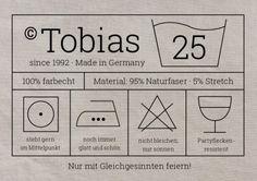 Witzige Waschanleitung-Einladungskarte mit Etikett und Pflegesymbolen zur 25. Geburtstags-Party #EinladungGeburtstag.de