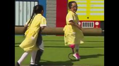 Adorable 7-year-old debuts her new prosthetic at school