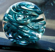 Magic in glass Foto Fantasy, Fantasy Art, Pokemon Real, Espada Anime, Sculpture Art, Sculptures, Blown Glass Art, Magical Jewelry, Glass Artwork
