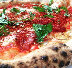 Pizza Diavola Salsa, Pizza, Mexican, Bar, Ethnic Recipes, Food, Gravy, Salsa Music, Restaurant Salsa