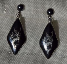 VINTAGE STERLING SILVER SIAM NIELLO GODDESS SCREW BACK EARRINGS