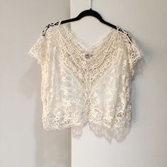 Boho Lace Crochet Crop Top Boho Crochet/Lace Crop Top by Papaya. Sz small. Excellent condition. Papaya Tops Crop Tops