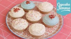 Now a few of you have been asking for it, so here it is... my recipe for how to make vegan cupcakes! This is a great, simple way to make delicious cupcakes s...