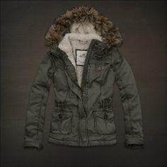 Hollister by Abercrombie El Porto Beach Fur Jacket Coat Olive Mens Winter Coat, Winter Wear, Winter Coats, Fall Winter, Outerwear Women, Outerwear Jackets, Womens Sherpa, Cute Coats, Porto