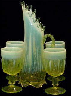 Fenton CACTUS Pattern Vaseline Opalescent Water Set-RARE! Fenton Glassware, Antique Glassware, Cut Glass, Glass Art, Antique Dishes, Vaseline Glass, Glass Company, Carnival Glass, Mercury Glass