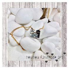 Home is where your heart is...  www.sousouhandmadeart.com  {linkinbio}  . . . . . #sousouhandmadeart #etsyshop #finebeadwork #bestqualitybeads #handcraftedingreece #seedbeadpendant #beadedhomes #luxuriousjewelry #theartofmaking #lovebeading #lovehandmadejewelry