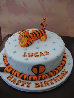 Tigger Birthday Cake  Cake by Deborah Cubbon (the4manxies)