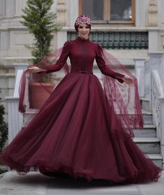 Toptan alımlarınız için randevu talep edebilirsinz +90 (532) 167 95 12 den mesai saatlerinde bilgi alabilirsiniz.. Hijabi Gowns, Muslim Wedding Dresses, Prom Dresses, Hijabs, Hijab Evening Dress, Modest Fashion Hijab, Hijab Bride, Royal Dresses, Groom Dress