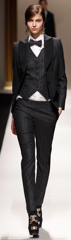 Women in men's suits: garcon clothing style