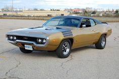 my very first car.without the black stripes on the hood ! Plymouth Muscle Cars, Dodge Muscle Cars, Vintage Cars, Antique Cars, Plymouth Satellite, Plymouth Gtx, Detroit, Sweet Cars, Us Cars
