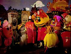 Sid and Marty Krofft want to reboot their HR Pufnstuf and Land of the Lost TV shows as movies and remake of The Bugaloos and Lidsville TV series. Hr Puff N Stuff, Land Of The Lost, Nostalgia, Saturday Morning Cartoons, Kids Tv Shows, Classic Tv, Classic Films, Weird World, The Good Old Days