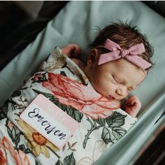 Excellent baby arrival detail are offered on our website. Take a look and you wont be sorry you did. Baby Pictures, Baby Photos, Little Babies, Cute Babies, Cute Baby Names, Little Presents, Baby Arrival, Pregnant Mom, Baby Kind