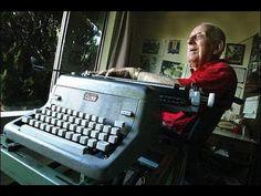Paul Smith, el artista de la máquina de escribir con parálisis cerebral. Una verdadera historia de superación http://ceslava.com/blog/paul-smith-el-artista-con-paralisis-cerebral-que-pintaba-con-una-maquina-de-escribir/