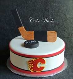 Hockey cake                                                                                                                                                                                 More Hockey Birthday Cake, Hockey Party, Birthday Cakes, Flan, Hockey Cakes, Single Tier Cake, Cake Works, Sport Cakes, Grilling Gifts
