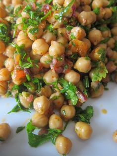A Seasonal Cook in Turkey: A Variation on Traditional Bean Piyaz, This Time with Chickpeas: Nohut Piyazı