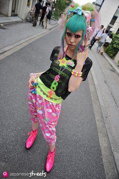 VANI Harajuku, Tokyo Decora SPRING 2012, GIRLS Kjeld Duits 6%DOKI DOKI SHOP ASSISTANT  Blouse – N/A Pants – 6%DOKIDOKI Shoes – 6%DOKIDOKI
