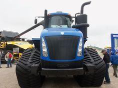 Front of New Holland T9645