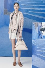 Akris Resort 2015 - Review - Fashion Week - Runway, Fashion Shows and Collections - Vogue