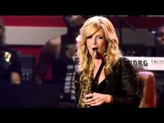 Amazing performance af saxophiniest Candy Dulfer in home town Amsterdam on the Simphonica in Rosso Concert by Lionel Richie. I love this, is something special I use to play sometimes on my videodj set. Enjoy !