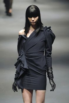 Lanvin at Paris Fashion Week Fall 2010 - Runway Photos