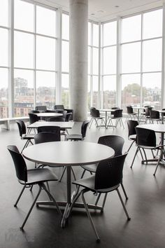 Groupe Lacasse offers commercial, healthcare or educational furniture of outstanding quality.