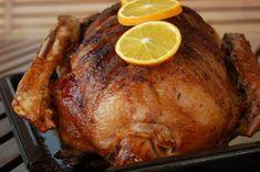 Karácsonyi pulykamellet készítettem, sült almát és vörösáfonya-chutney-t körítettem mellé. Finom lett, ráadásul a chutney karácsonyi ajándéknak is kitűnő. My Recipes, Recipies, Bacon, Turkey, Dishes, Cooking, Advent, Food, Desk