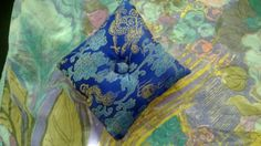Blaue Blumen from the roof of the world Nepal - base cushion for Tibetan Singing Bowl