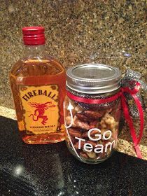 Are you going to a tailgate? How about a fun party snack idea! Carmelized Pecans, Spicy Nuts, Creative Party Ideas, Nut Recipes, Party Snacks, Cheryl, Appetizers, Holiday, Christmas