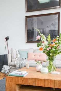 Fotostyling & interieurfotografie voor Bloomon bij The Playing Circle in Amsterdam. Love the mix of textures, colors and old/new