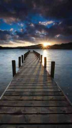 Beautiful sunrise over the dock! Beautiful sunrise over the dock! Beautiful World, Beautiful Images, Natur Wallpaper, Landscape Photography, Nature Photography, Photography Tips, Beautiful Sunrise, Jolie Photo, Nature Pictures