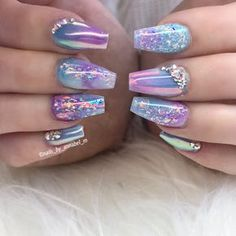▷ 1001 + ideas for nail designs suitable for every nail shape unicorn manicure, colourful chrome nail polishes, rhinestones on the nails, manicure ideas, short coffin nails # Nails Yellow, Pink Nails, My Nails, Gorgeous Nails, Pretty Nails, Nail Art Designs, Chrome Nails Designs, Chrome Nail Polish, White Chrome Nails