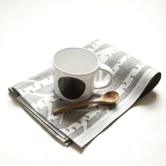kitchen towel and dot cup black.