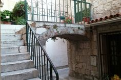 in Split, Croatia, HR. Cosy small flat at great location, with small storage place under stairs 5min walk from bus station, near Bacvice beach, Diocletians palace, green market, shops and restaurants. Great starting point for daily trips to the island, Krka waterfalls, ...