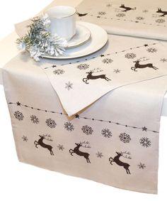 Vánoční ubrusy pro příjemně strávené vánoceAtraktivní vyšívaný ubrus v béžovo-hnědým provední s krásnou výšivkou přímo stvořenou pro zimní období.  Materiál: 100 % 17615...
