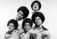 Michael Jackson and his brothers - Jackson 5 Era Michael Jackson Bad, Jackson 5, Jackson Family, Tito Jackson, Jermaine Jackson, Familia Jackson, The Jacksons, Motown, Best Songs