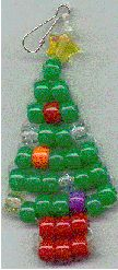 Little Christmas Tree Christmas Crafts For Kids To Make, Little Christmas Trees, Christmas Activities, Xmas Crafts, Pony Bead Projects, Pony Bead Crafts, Pony Bead Animals, Beaded Animals, Pony Bead Patterns