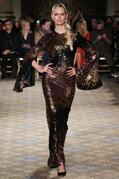 Christian Siriano Fall 2017 Ready-to-Wear Collection Photos - Vogue Fashion 2017, Couture Fashion, Runway Fashion, High Fashion, Fashion Show, Christian Siriano, Vogue, Backstage, Types Of Dresses