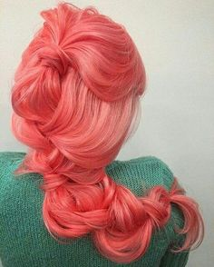 What colour is this.... Flamingo???