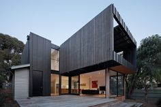 House by the park in Melbourne (Australia) by Nixon Tulloch Fortey Architecture #ANTHRAZINC #Architecture #Zinc #VMZINC #PrivateHouse #Australia #Facade