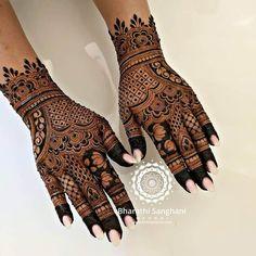 30 Lotus Mehndi Designs For Your Gorgeous Henna Design Indian Henna Designs, Latest Henna Designs, Finger Henna Designs, Stylish Mehndi Designs, Full Hand Mehndi Designs, Mehndi Designs Book, Bridal Henna Designs, Mehndi Designs For Beginners, Mehndi Design Photos