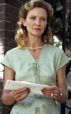 Joan Allen, Anne Hamilton - The Notebook directed by Nick Cassavetes (2004) #nicholassparks