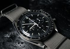 Watches Ideas Another view of a gorgeous Omega Speedmaster courtesy of Bernard @ Guess what it inspired me to buy? 🙂 Discovred by : Todd Snyder Best Looking Watches, Cool Watches, Watches For Men, Men's Watches, Omega Speedmaster Moonwatch, Omega Seamaster, Vintage Military Watches, Omega Railmaster, Mens Fashion Wear